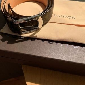 Louis Vuitton ladies belt